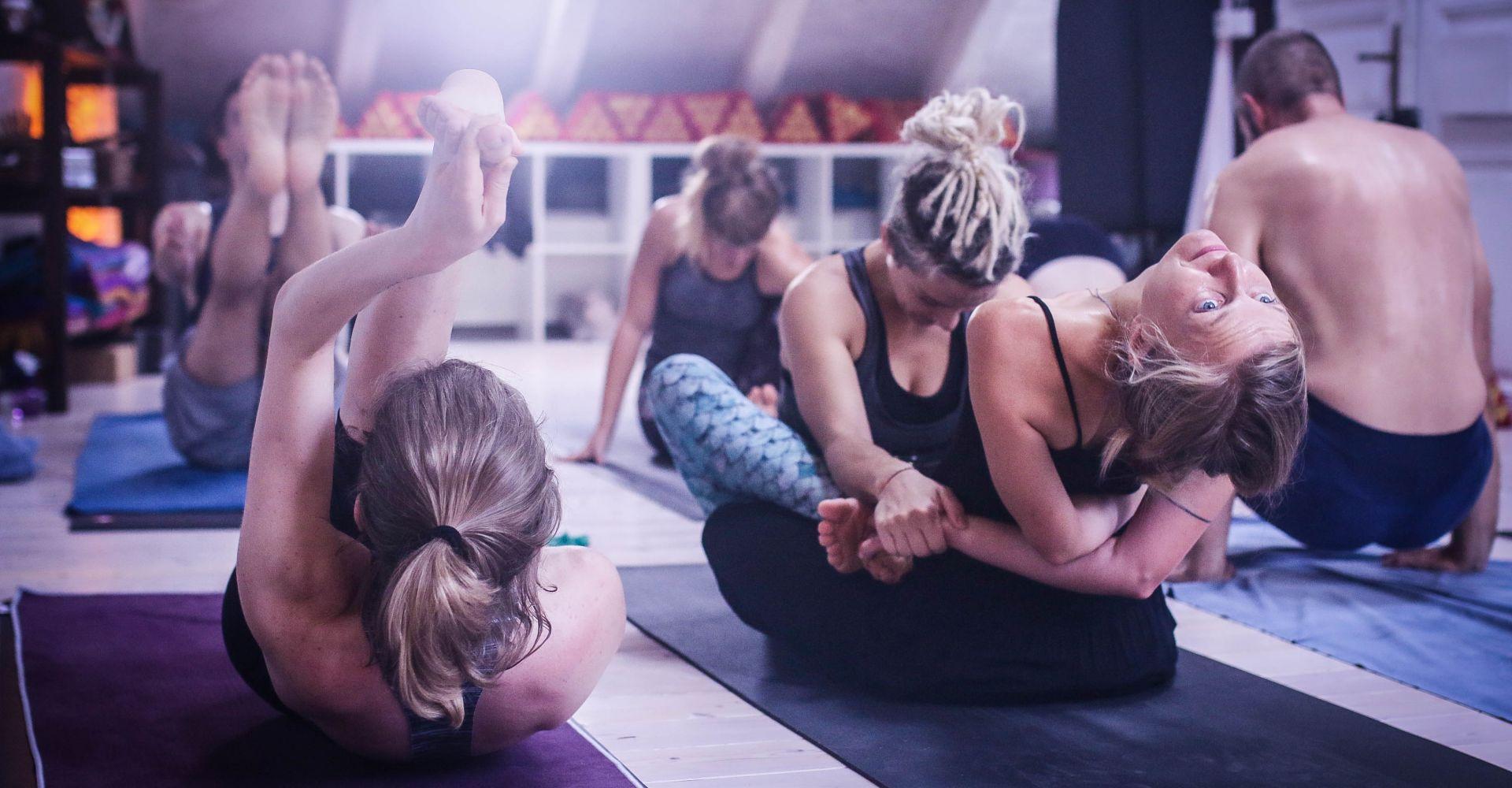 Ekam Inhale - The Ashtanga Vinyasa Count: Learn how to focus
